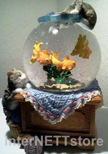 Schneekugel Aquarium mit Fischen